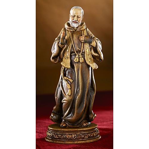 Saint Pio Statue