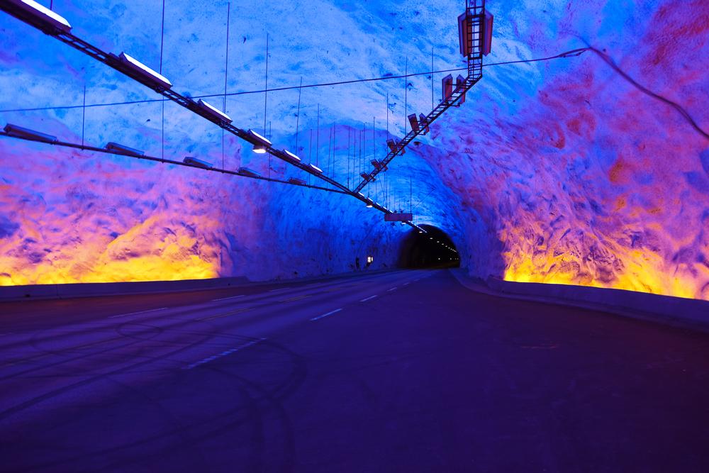 Túnel Laerdal - Crédito foto: Tatiana Popova - shutterstock.com