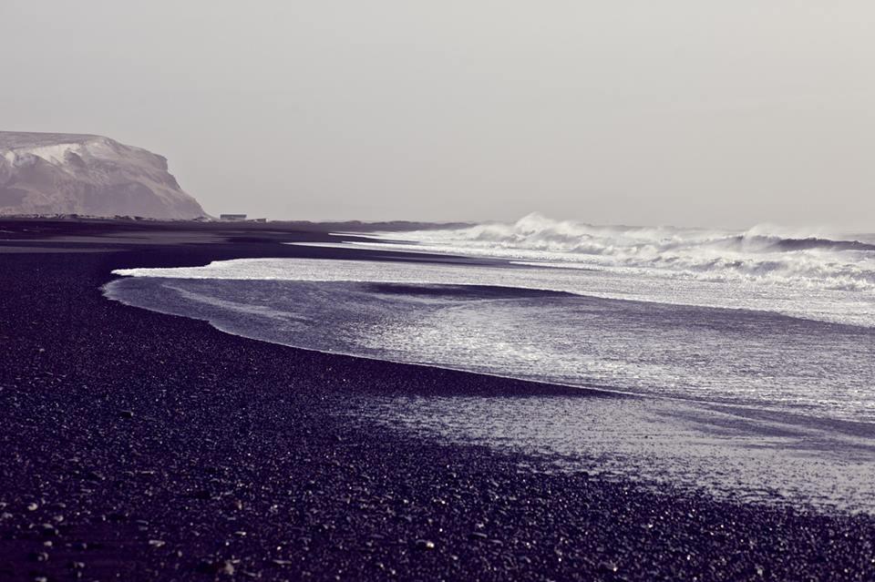 Praia de areia preta em Vík