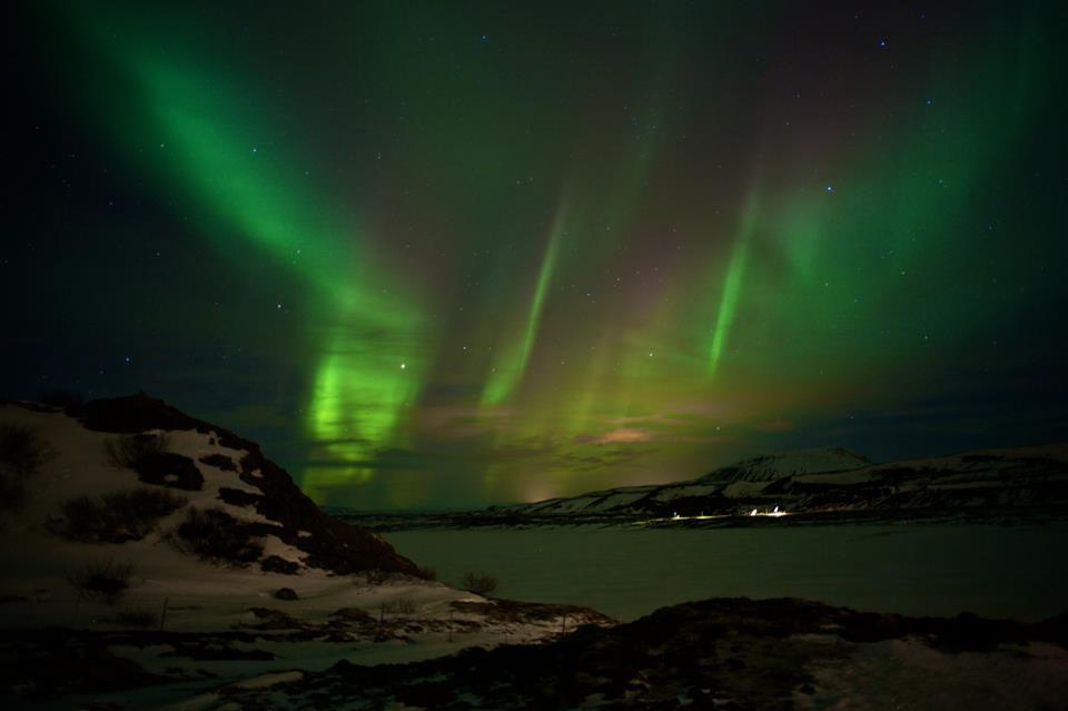 Nossa primeira aurora boreal no quintalzinho do Ion Hotel