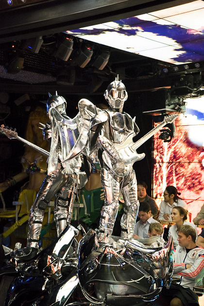 Robot-Restaurant-17-20140421-www.for91days.com-DSC06512