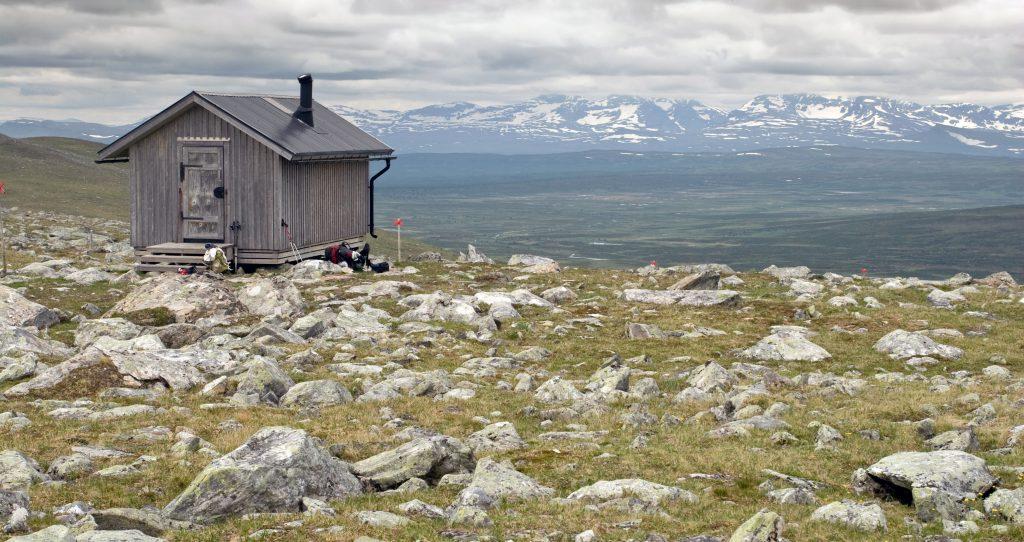 Um abrigo perto da trilha Kungsleden, foto: shutterstock.com / Premysl