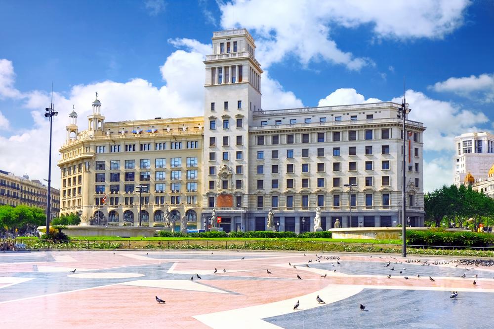 Praça Catalunha - foto Brian Kinney - Shutterstock.com