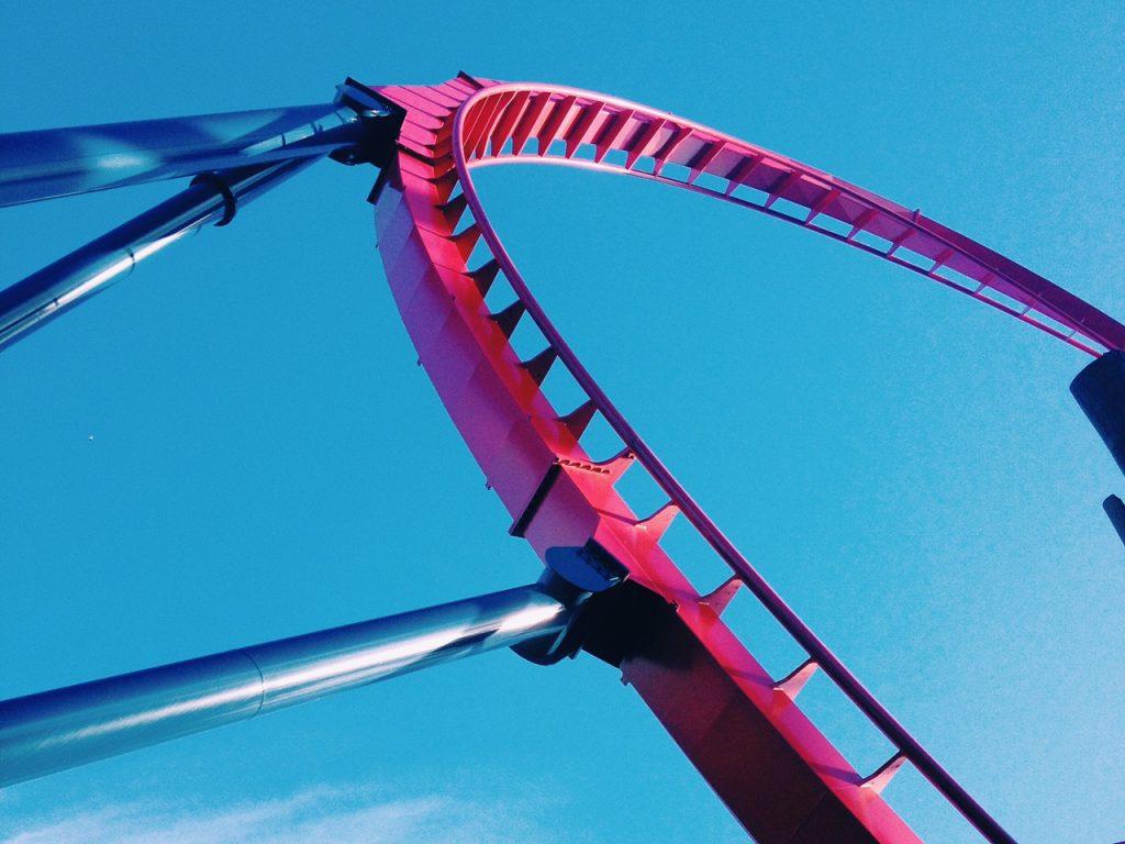 A montanha russa Sheikra, no Busch Gardens. Para corações fortes.