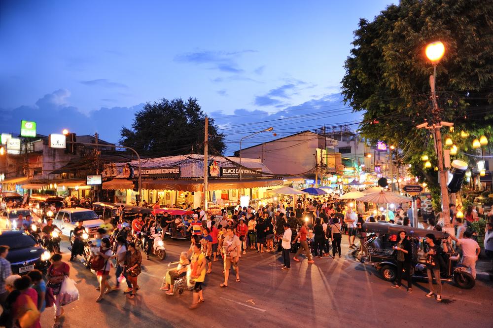Sunday Market - Chiang Mai - foto: 501room - shutterstock.com