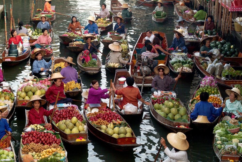 Floating markets em Damnoen Saduak - foto topten22photo - shutterstock.com