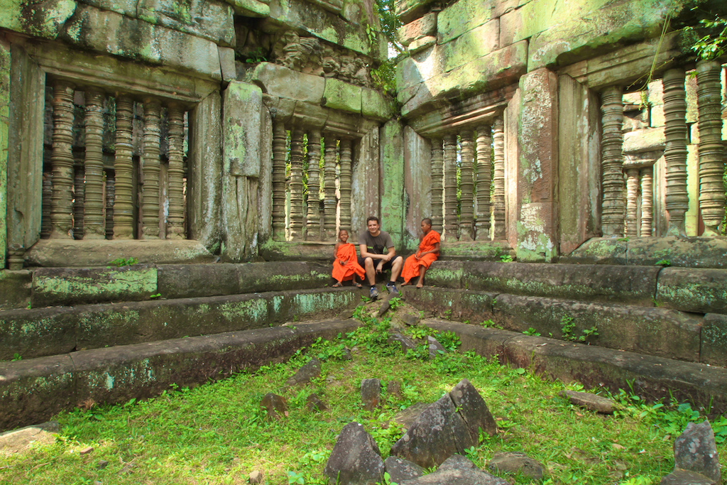 Oscar nas ruínas de Angkor Wat, no Camboja.