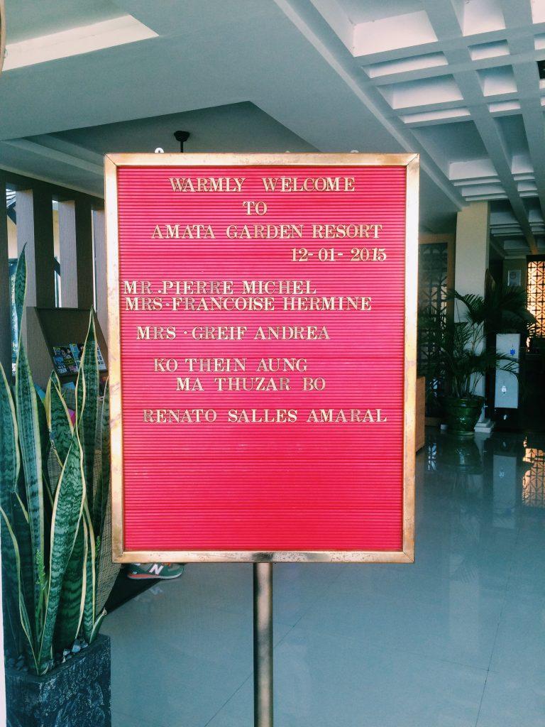 Placa de boas-vindas no Amata. Foto: Lalai Persson