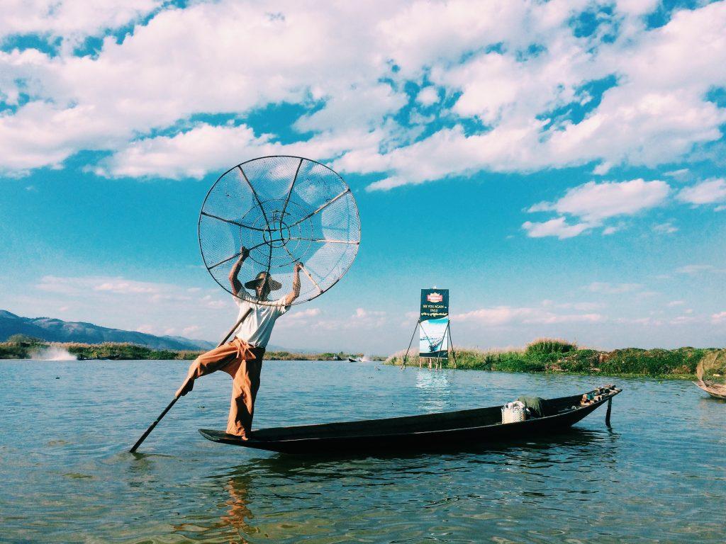 Os pescadores bailarinos de Inle Lake. Foto: Lalai Persson