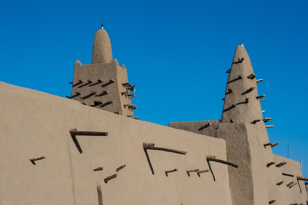 Mesquita de barro em Timbuktu - Shutterstock: Michele Alfieri
