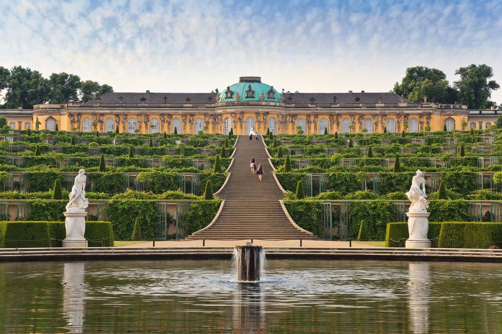 Castelo de Sanssouci - Noppasin / Shutterstock.com