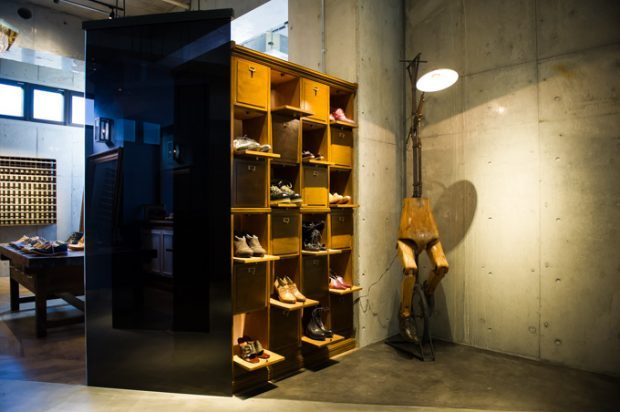 Sapatos artesanais. Lindos, caros e super confortáveis. (Créditos: fashion-press.net)