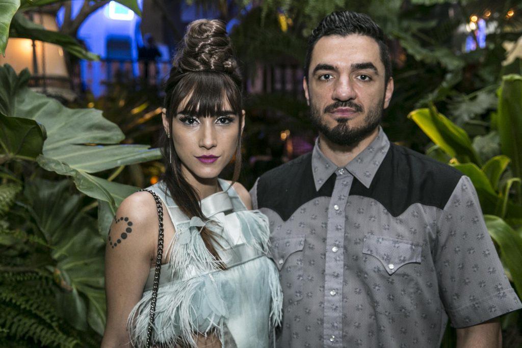 Lia Paris e Stephan Doitschinoff na abertura do Art Bar
