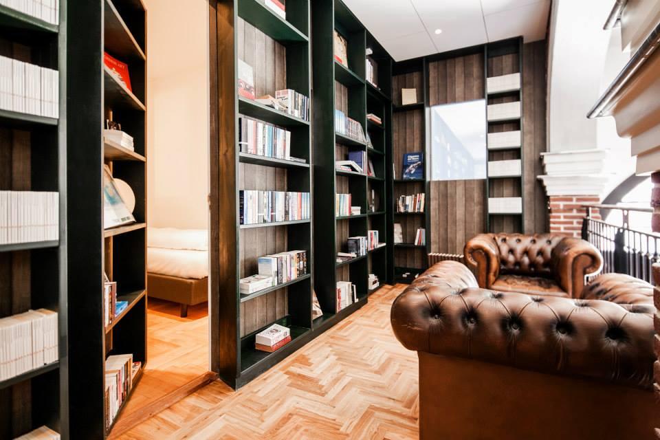 Passagem Secreta (Secret Bookcase)