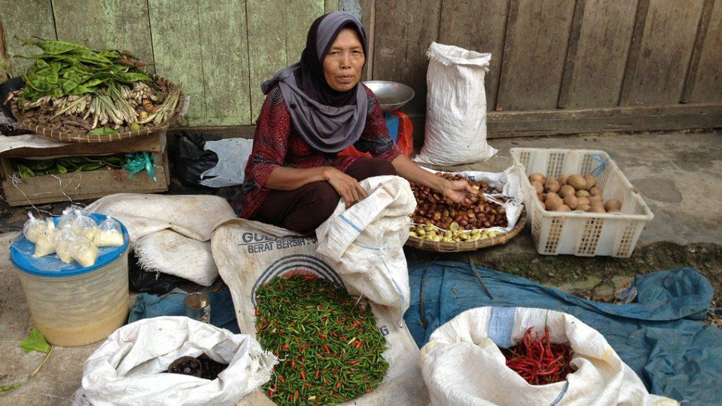 Os mercados nas ruas: pimenta e curry. Foto: Carla Lima Rocha