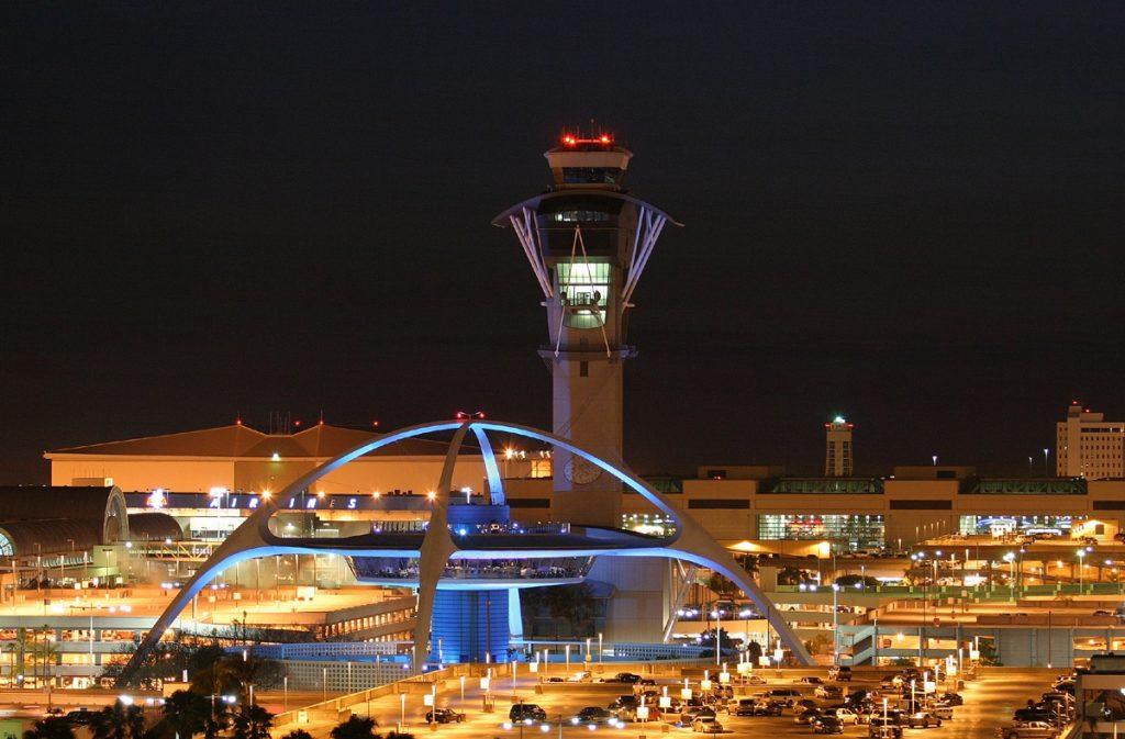 Aeroporto Internacional de Los Angeles, o futuro chegou por ali faz tempo