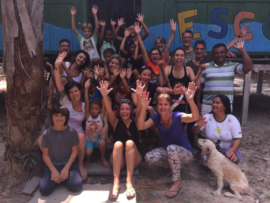 Nós, alunos e professores da escola Viva Amazônia