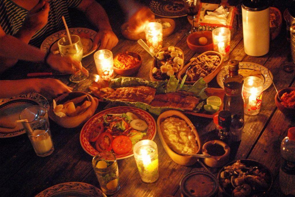 O mítico Peixe na Telha, acompanhado de arroz de leite, macaxeira frita, paçoca e purê de abóbora - Thiago Seixas Príncipe ©