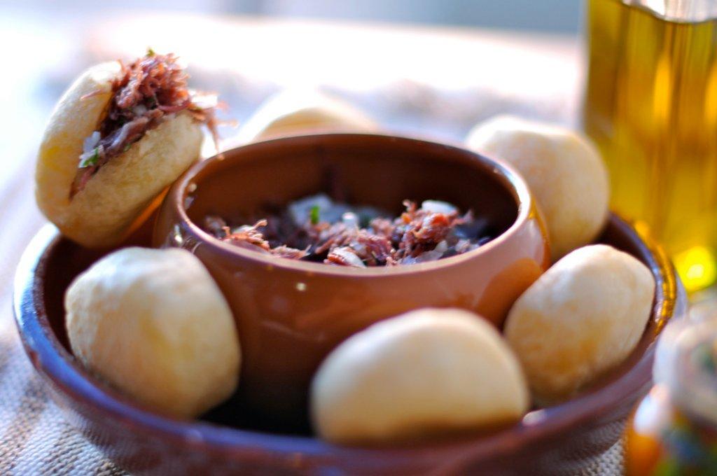 Bolinho de aipim com carne seca, do Bar da Frente. Foto: Divulgação