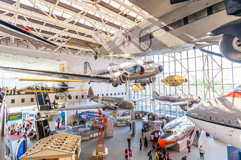 Interior do National Air and Space Museus, que faz parte do conglomerado do Smithsonian. (foto: Shutterstock - f11photo)