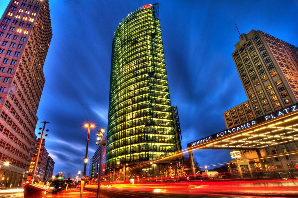 Vista noturna da Potsdamer Platz