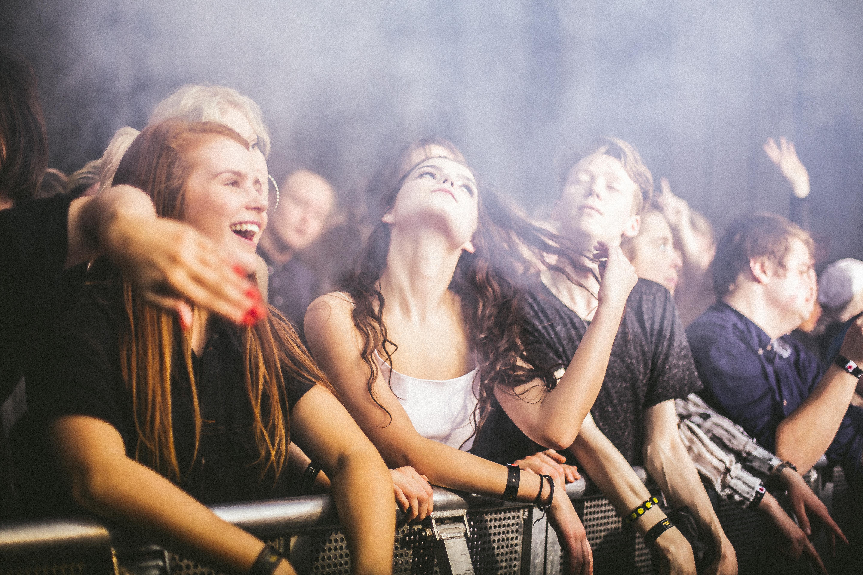 Público no show do Hudson Mohawke. Foto: Alv Peerz / Divugação