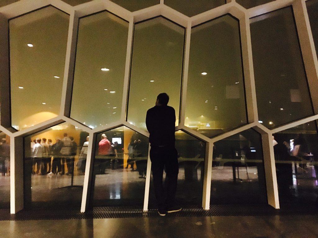 A Harpa por dentro à noite durante o Sónar. Foto: Lalai Persson