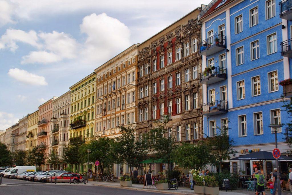 Os prédios coloridos da Oderbergstrasse