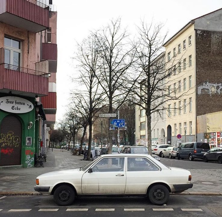 Volkswagen Voyage ou Audi 80 CL?