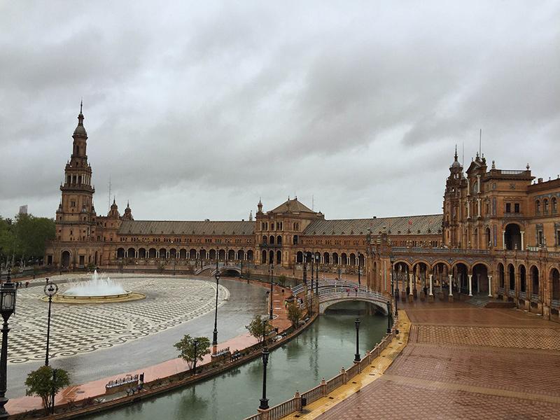 Plaza de Espanha toda grandiosa. Foto: Sarah Galvão