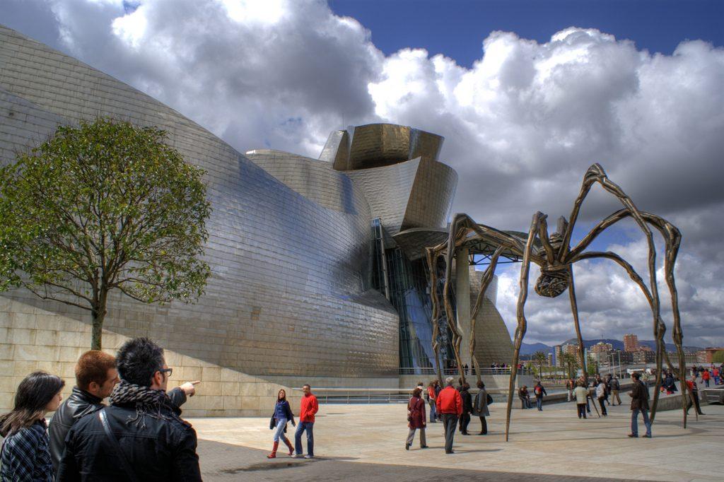 Gehry + Bourgeois (foto: Flickr/villamon)