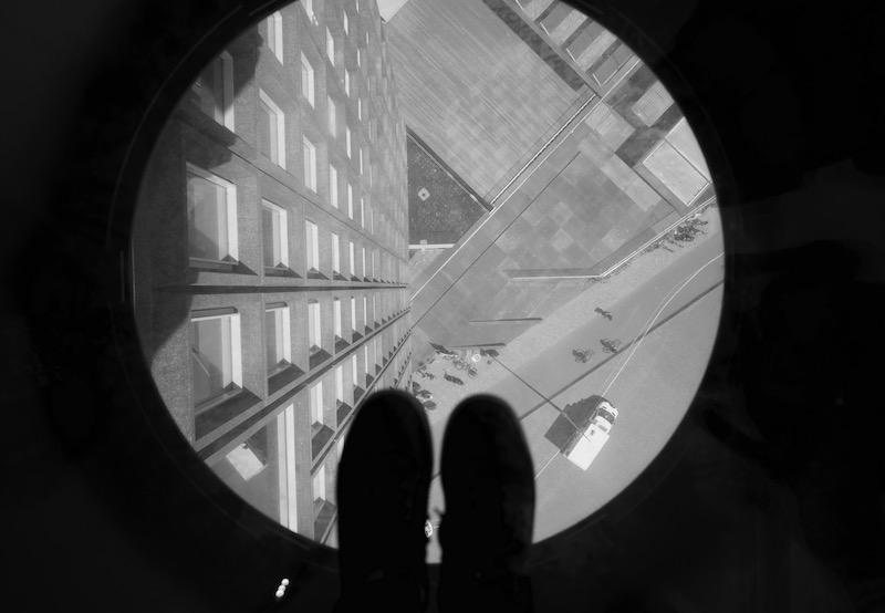 Olhando pra baixo a partir do chão do A'Dam Lookout. Foto: Lalai Persson