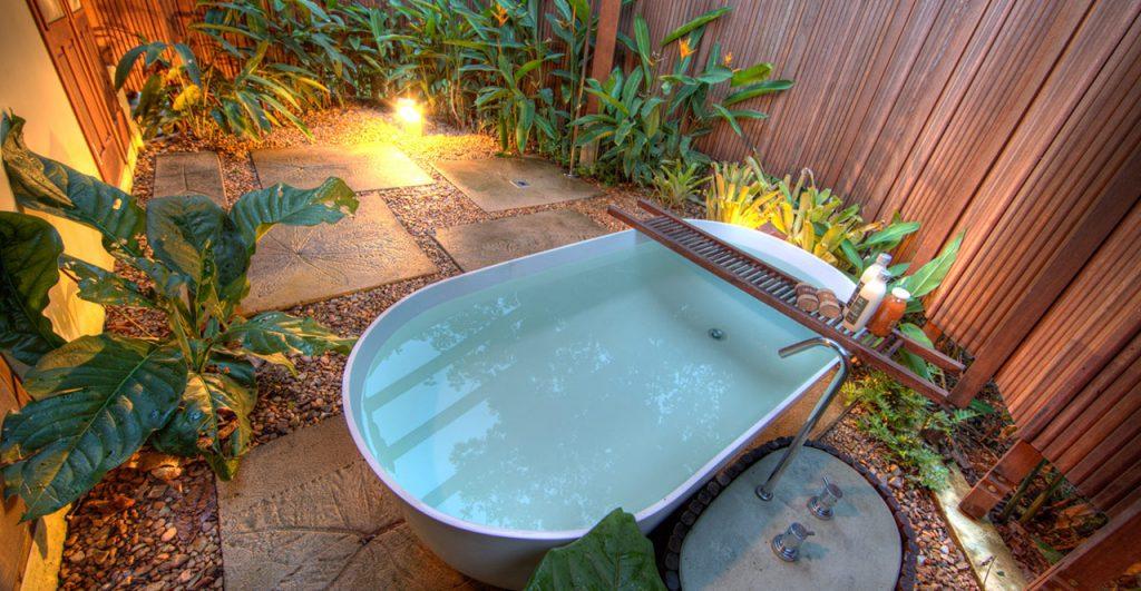 Banheira num dos bangalôs do Cristalino Lodge. Foto: divulgação
