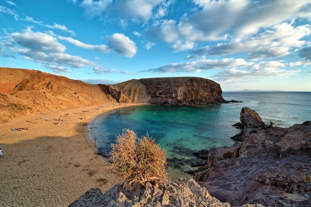 Papagayo Beach em Lanzarote (foto: Lviatour - Creative Commons)