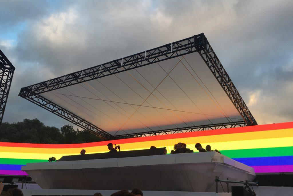Sábado foi Gay Pride em Amsterdã e, claro, rolou homenagem. Foto: Lalai Persson