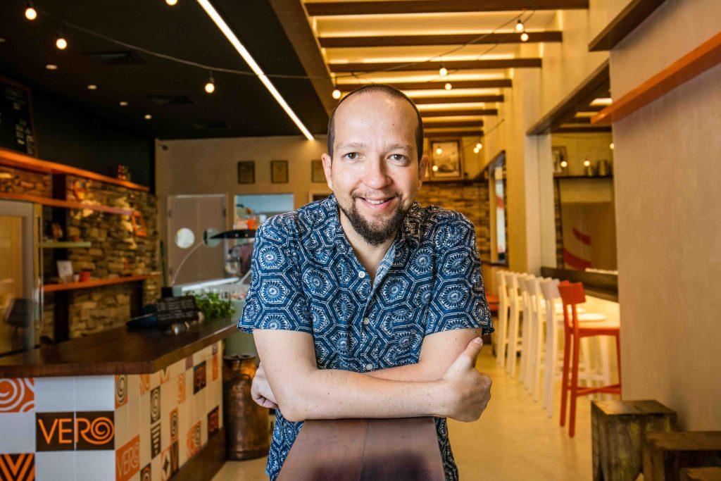 Andrea Panzacchi no novo Vero Gelato e Café. Foto: Tomás Rangel