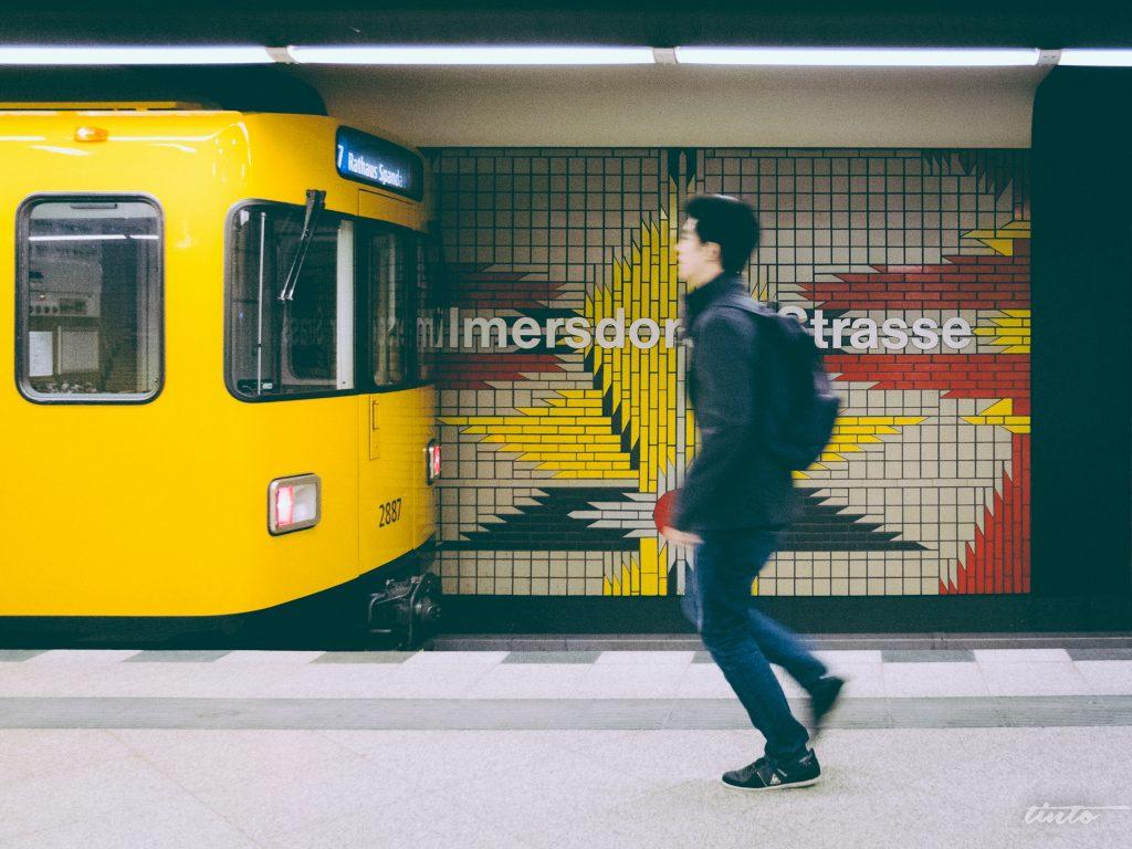 Metrô em Berlim. Foto CC: flickr.com/tinto