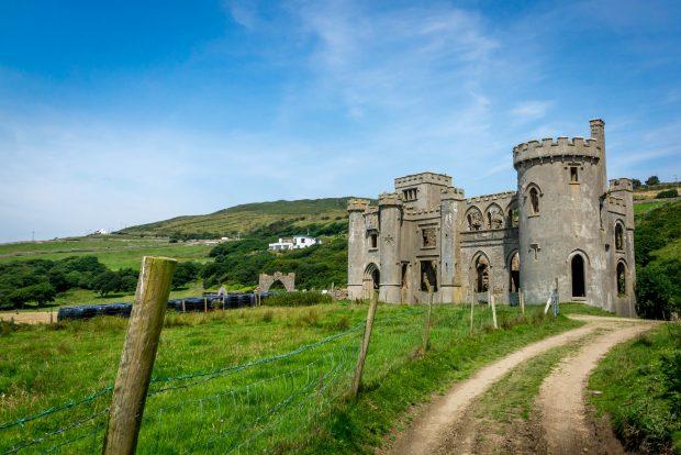 Clifden Castle, Ireland - foto: Janmennens [ https://goo.gl/7eHIwg ]