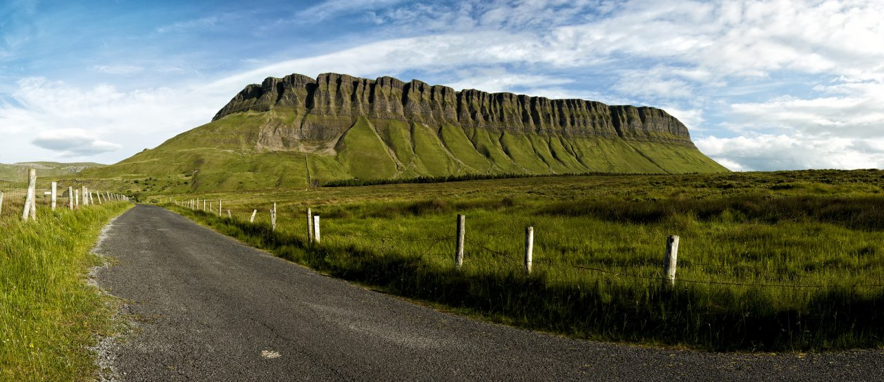Ben Bulben Mountain,companhia constante nessa parte da viagem pela Irlanda. Foto: Andrea van der Wal