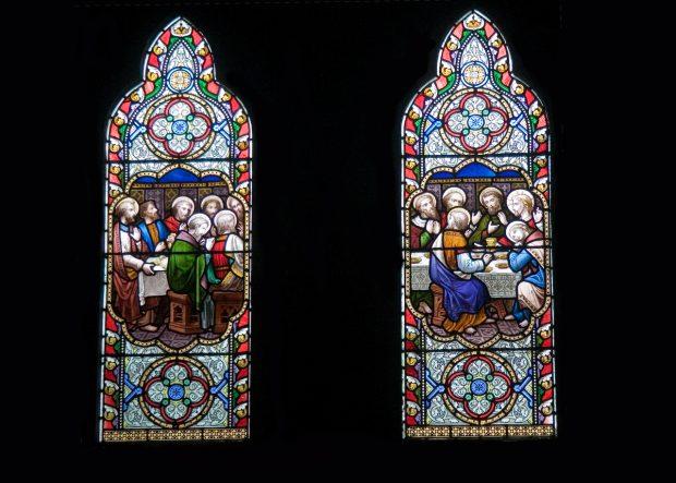 Detalhe dos vitrais de Haryr Clarke, em Dingle, Irlanda - foto: Colm Costelloe
