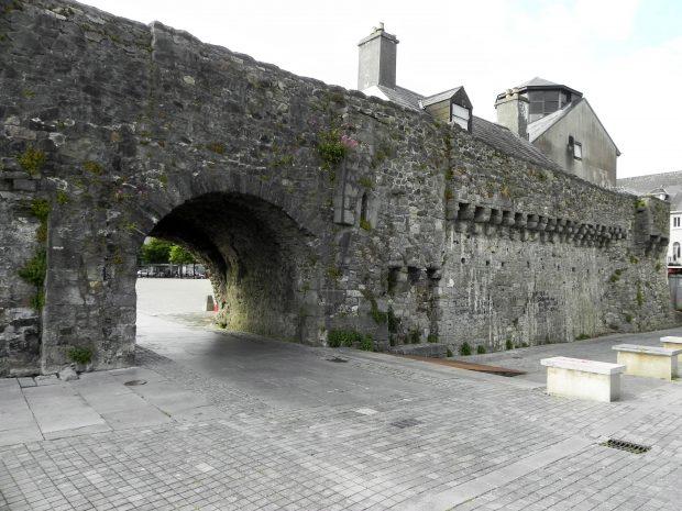 Spanish Arc, Galway, Ireland - foto: Carlos Raffaeli