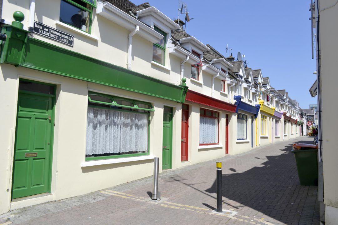 Casas coloridas no centro de Killarney - foto: Carlos Raffaeli
