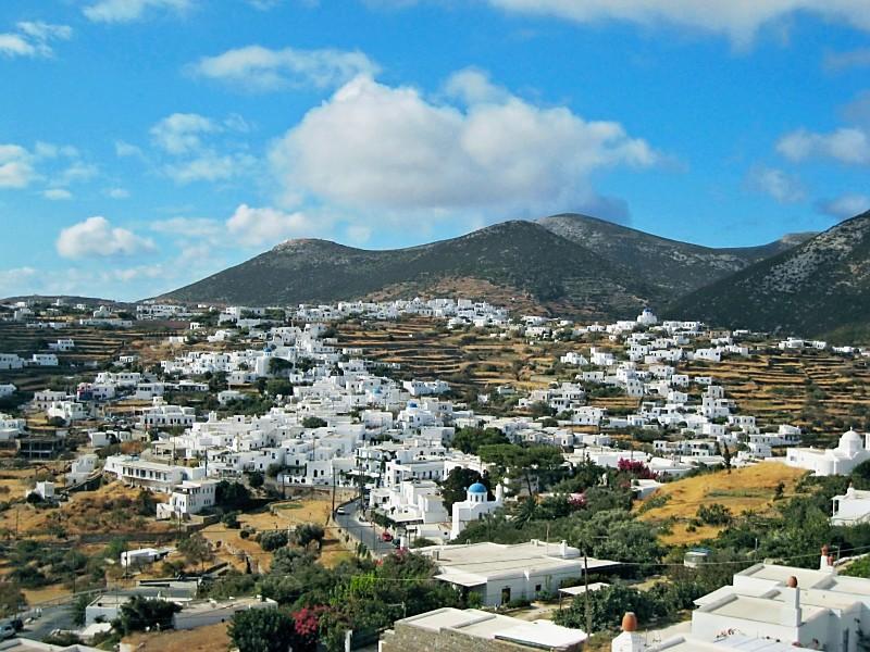 Apollonia, a capital de Sifnos. Foto: Jon Corelis