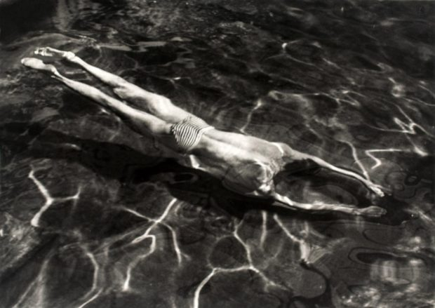 André Kertész Underwater Swimmer 1917 © Estate of André Kertész/ Higher Pictures. http://www.tate.org.uk/whats-on/tate-modern/exhibition/radical-eye-modernist-photography-sir-elton-john-collection/room-guide
