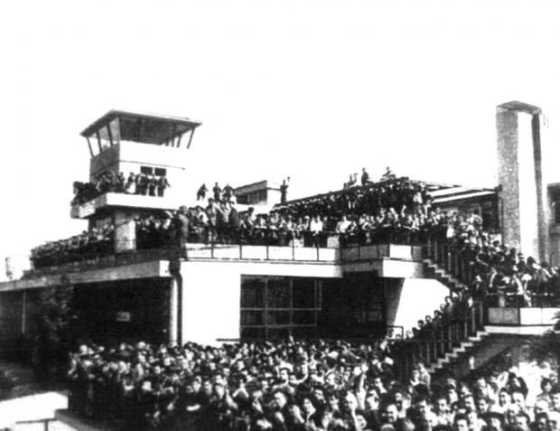 Aeroporto Los Cerrillos, 1928. http://centronacionaldearte.cl/