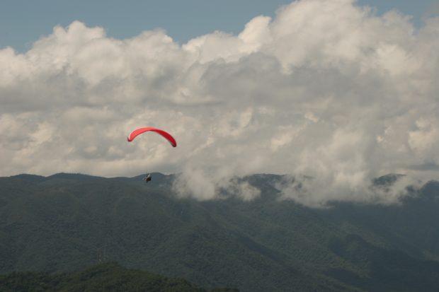 Voo livre saindo do Pico Agudo - foto: Ana Paula Hirama