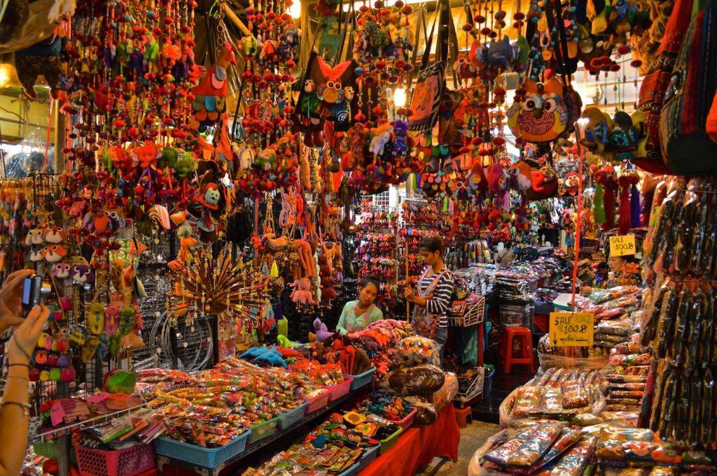 No Chatuchak Weekend Market você encontra tudo o que precisa e o que não precisa