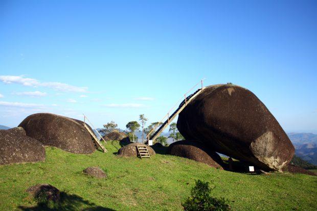 A Pedra do Porco fica longe do centro de São Francisco Xavier, mas tem a melhor vista do Vale do Paraíba.