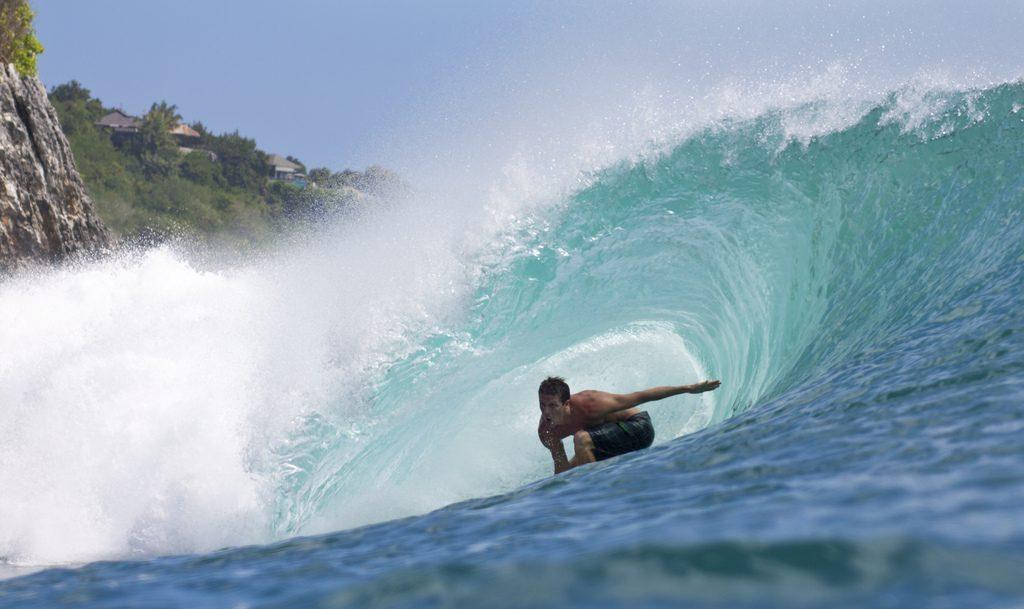 Surfando em Bali. Foto: Nicolas Risch