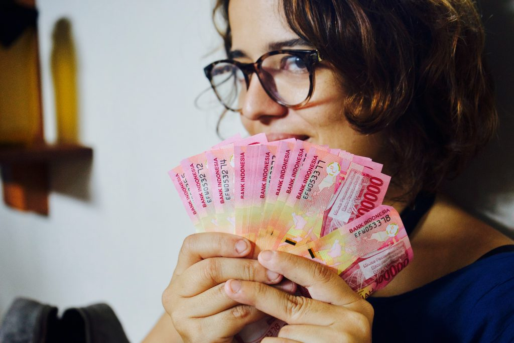 Rúpia, o dinheiro da Indonésia. Foto: Lalai Persson